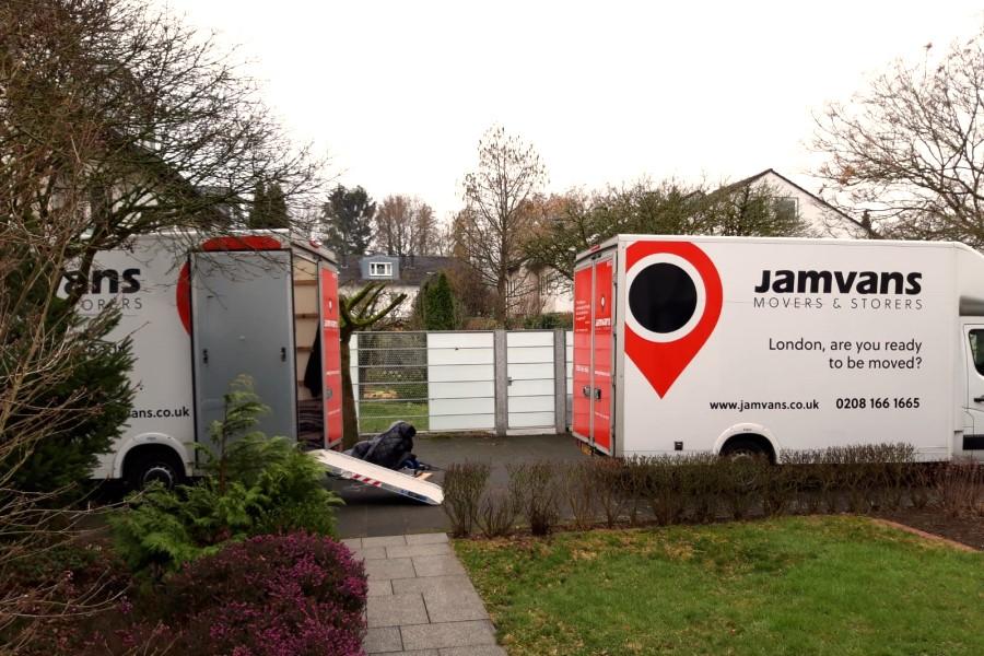 MIRA 1 - Moving Vans - 900