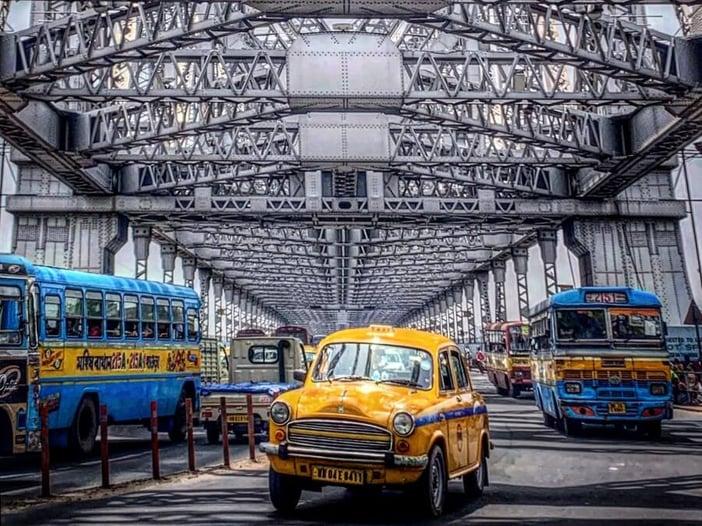 Taxi Photo - Howrah bridge - 900