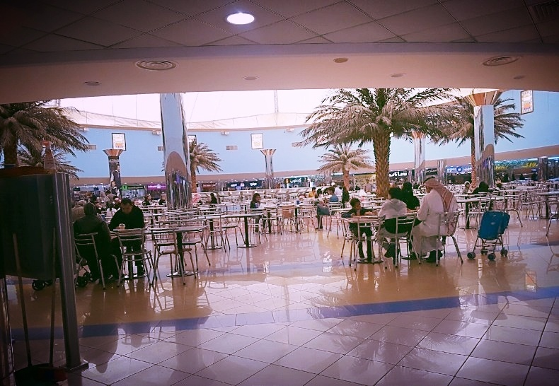 Riyadh, Saudi Arabia: Food court mixing at Sahara Mall. Photo taken by AIRINC surveyor Eugene Kobiako.
